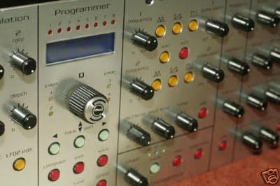 omega_8_6_voice_analog_synth.JPG